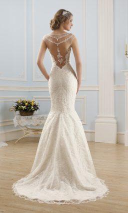 Свадебное платье силуэта «рыбка» с отделкой бисерной вышивкой по всей длине.