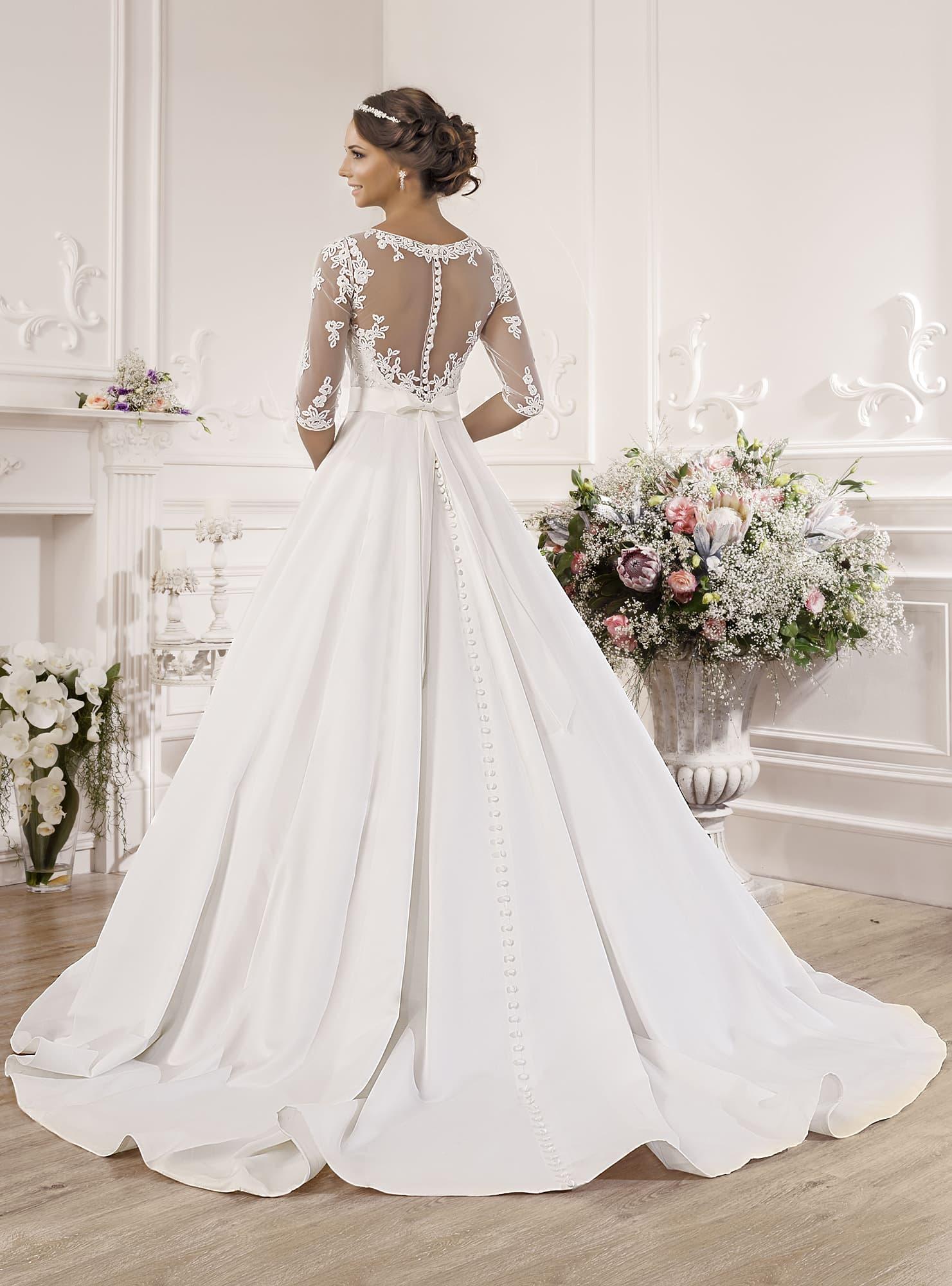 Свадебное платье атлас шлейф
