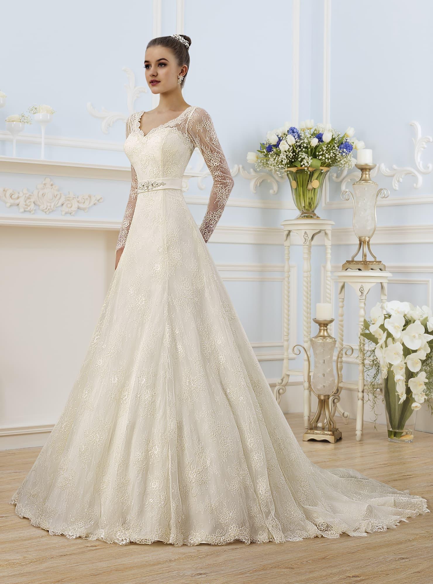 Свадебные платья a силуэта