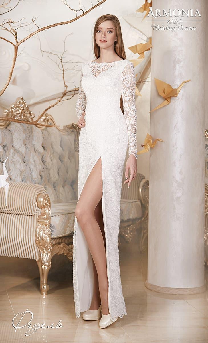 Платье длинное прямое с разрезом фото