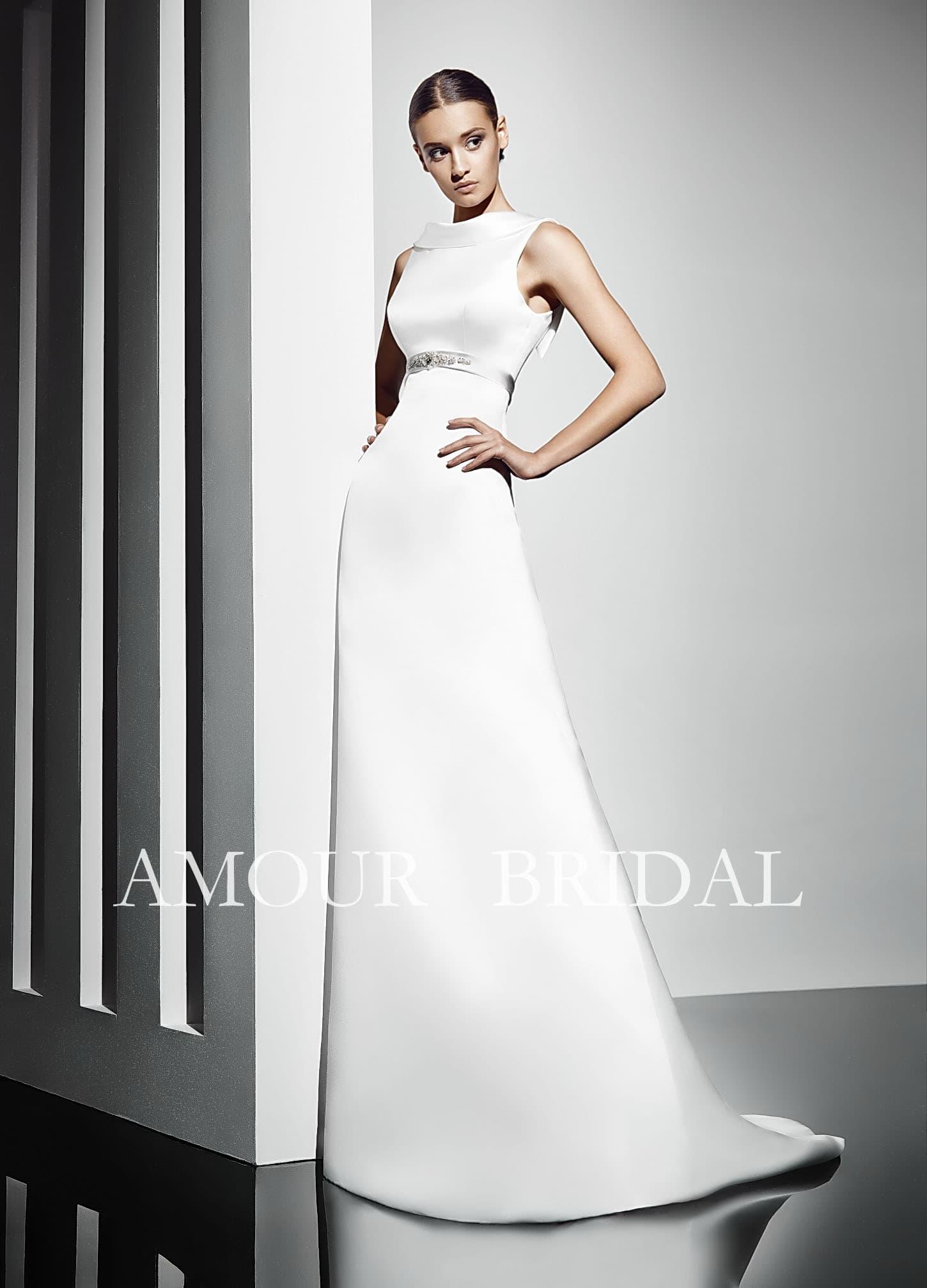 Свадебное платье прямого силуэта купить