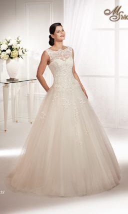 Закрытое свадебное платье с кружевным лифом и аппликациями на юбке А-силуэта.