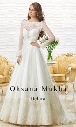 Свадебное платье с силуэтом «принцесса», кружевным декором и изящным болеро.