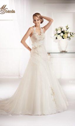 Изящное свадебное платье силуэта «принцесса» с американской проймой.