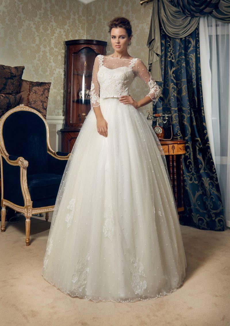 Свадебное платье с полупрозрачными рукавами