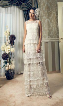 Прямое свадебное платье в винтажном стиле с оборками по подолу.