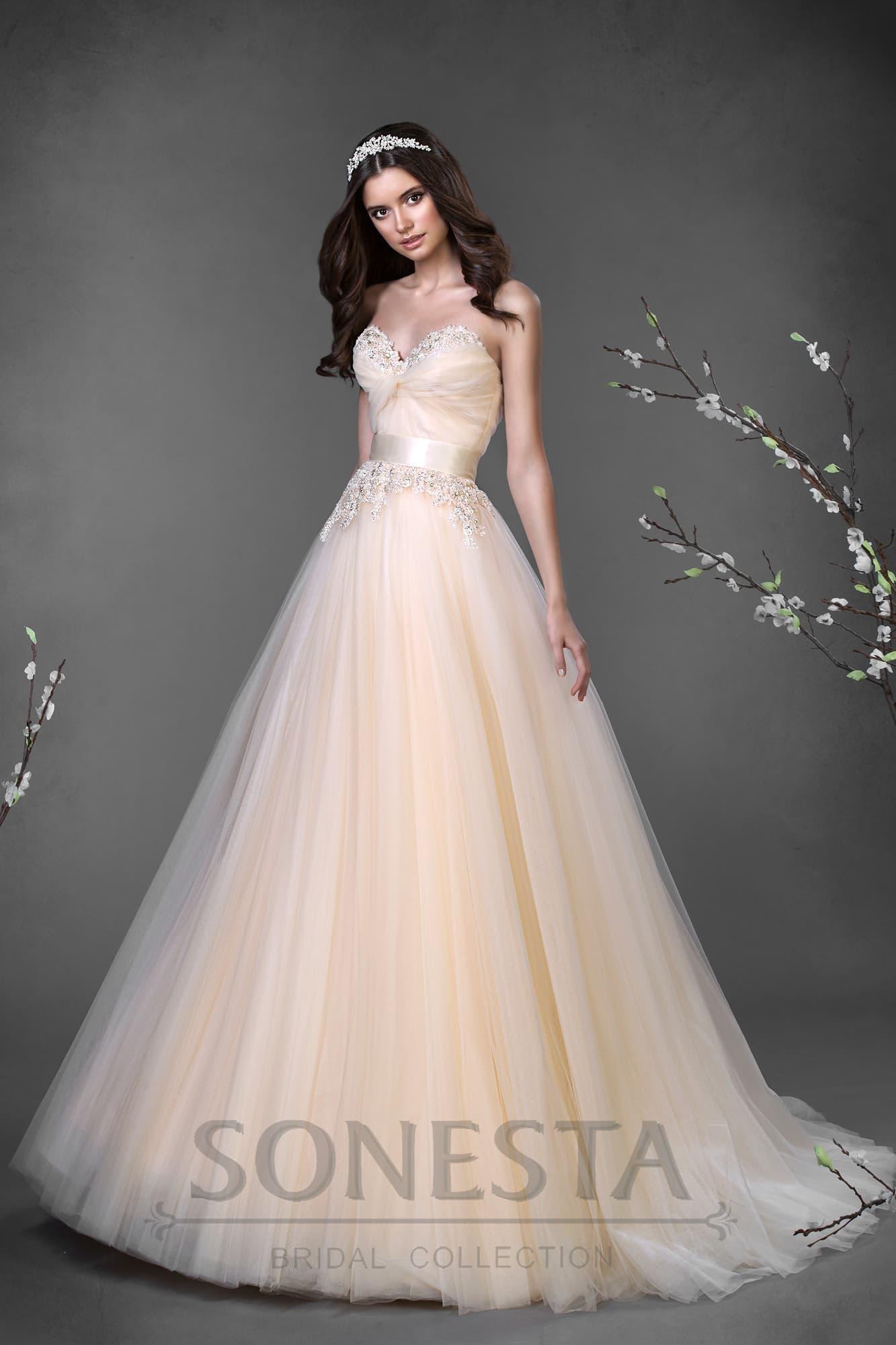 Свадебное платье золотистое фото