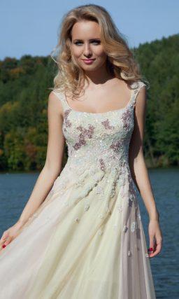 Женственное вечернее платье