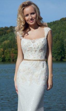 Белое вечернее платье
