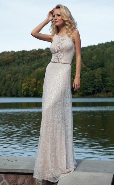 Вечернее платье прямого силуэта