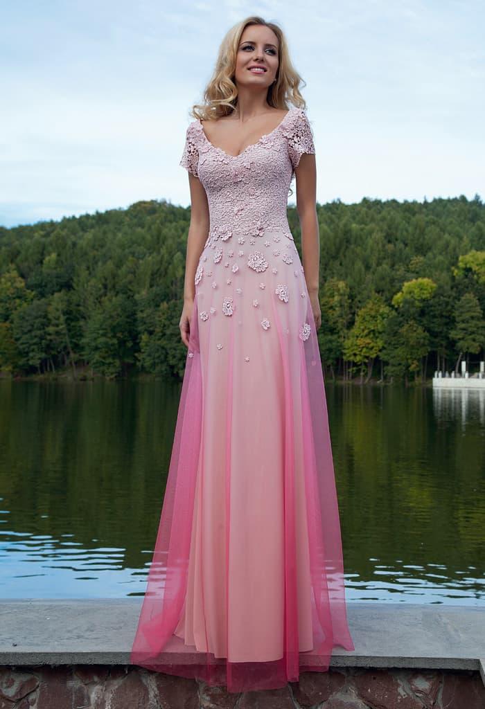 2b724cbb68a Оригинальное вечернее платье с розовой юбкой с эффектом омбре и кружевным  верхом.