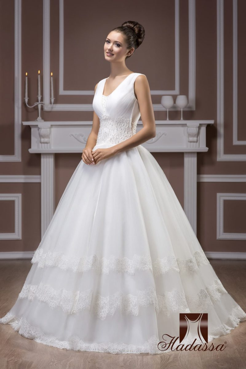 Свадебное платье с элегантным лифом
