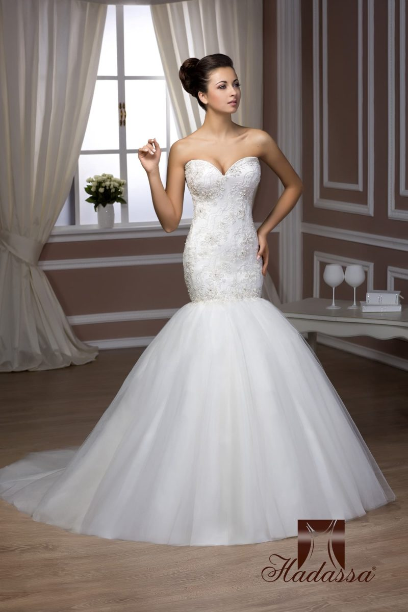 Свадебное платье с женственным корсетом