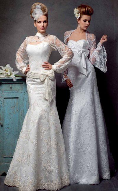 Кружевное свадебное платье силуэта «рыбка», дополненное необычным болеро с воротником.
