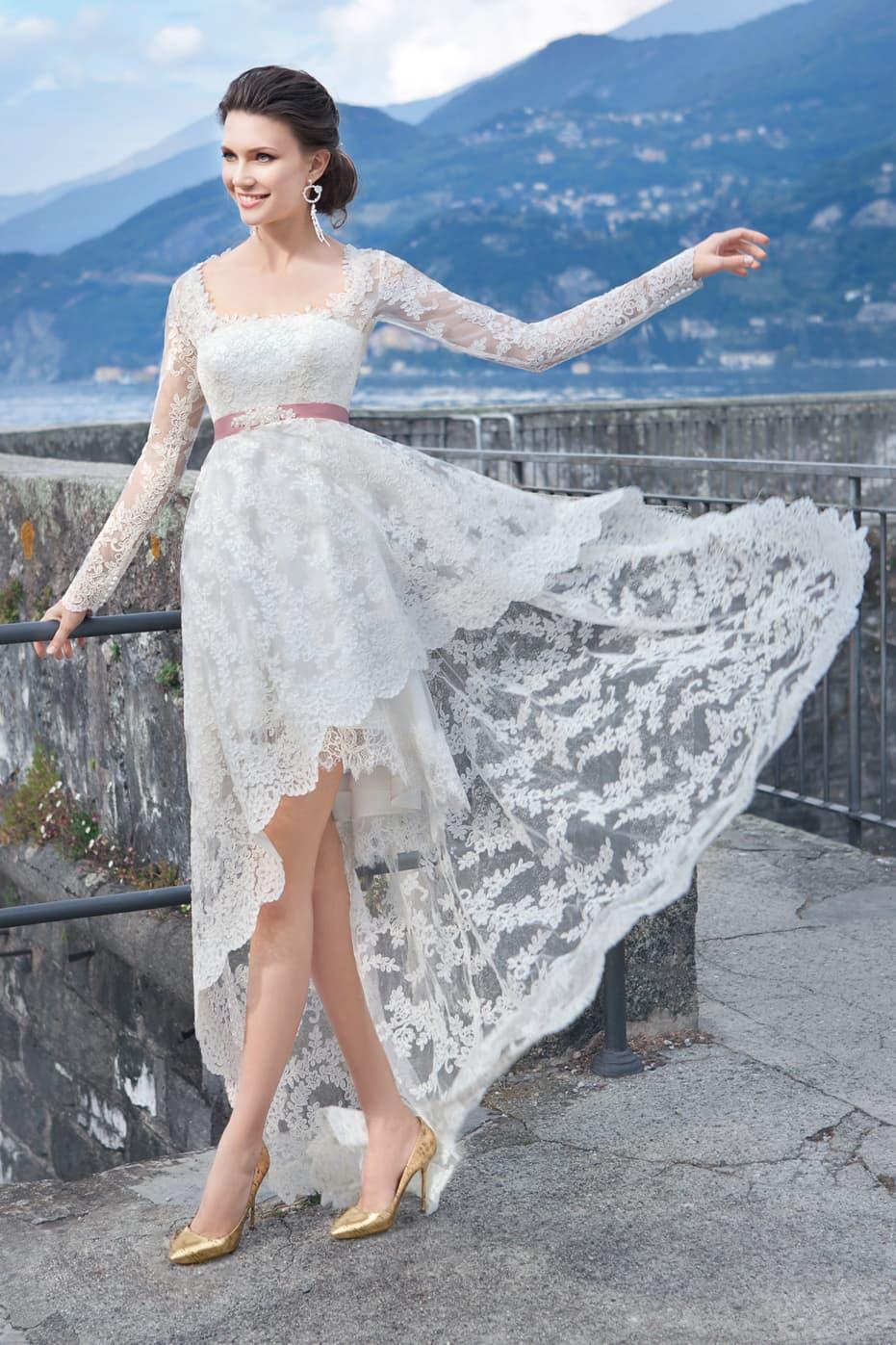 Кружевные свадебные платья короткие