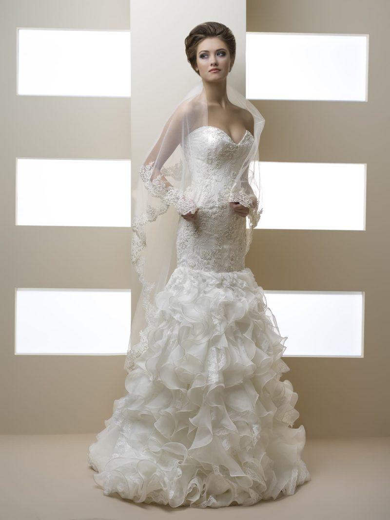 Свадебное платье силуэта «рыбка»