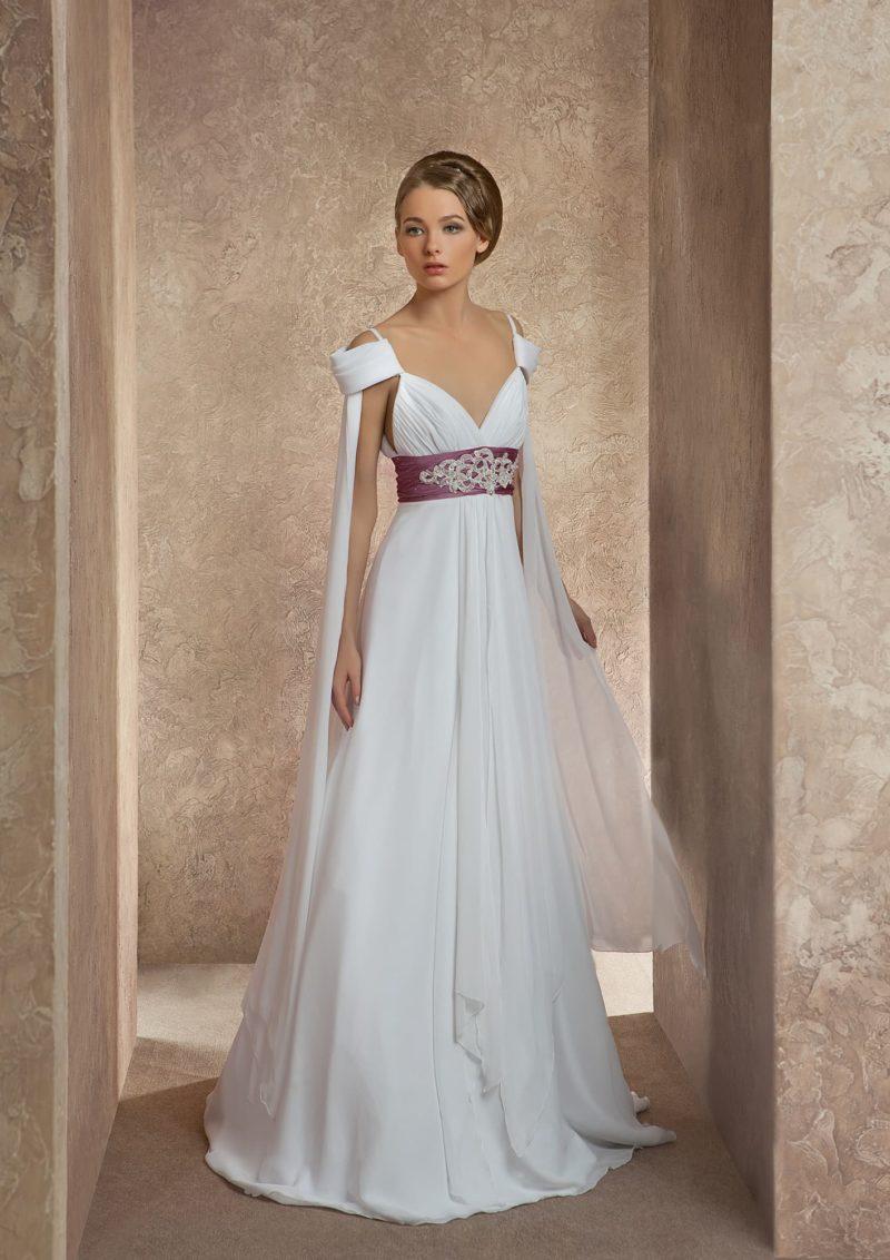 Недорогое платье с поясом