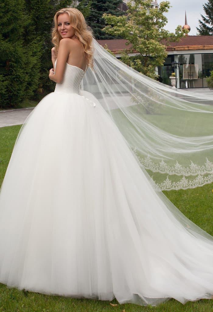 Невесты в платье оксаны мухи