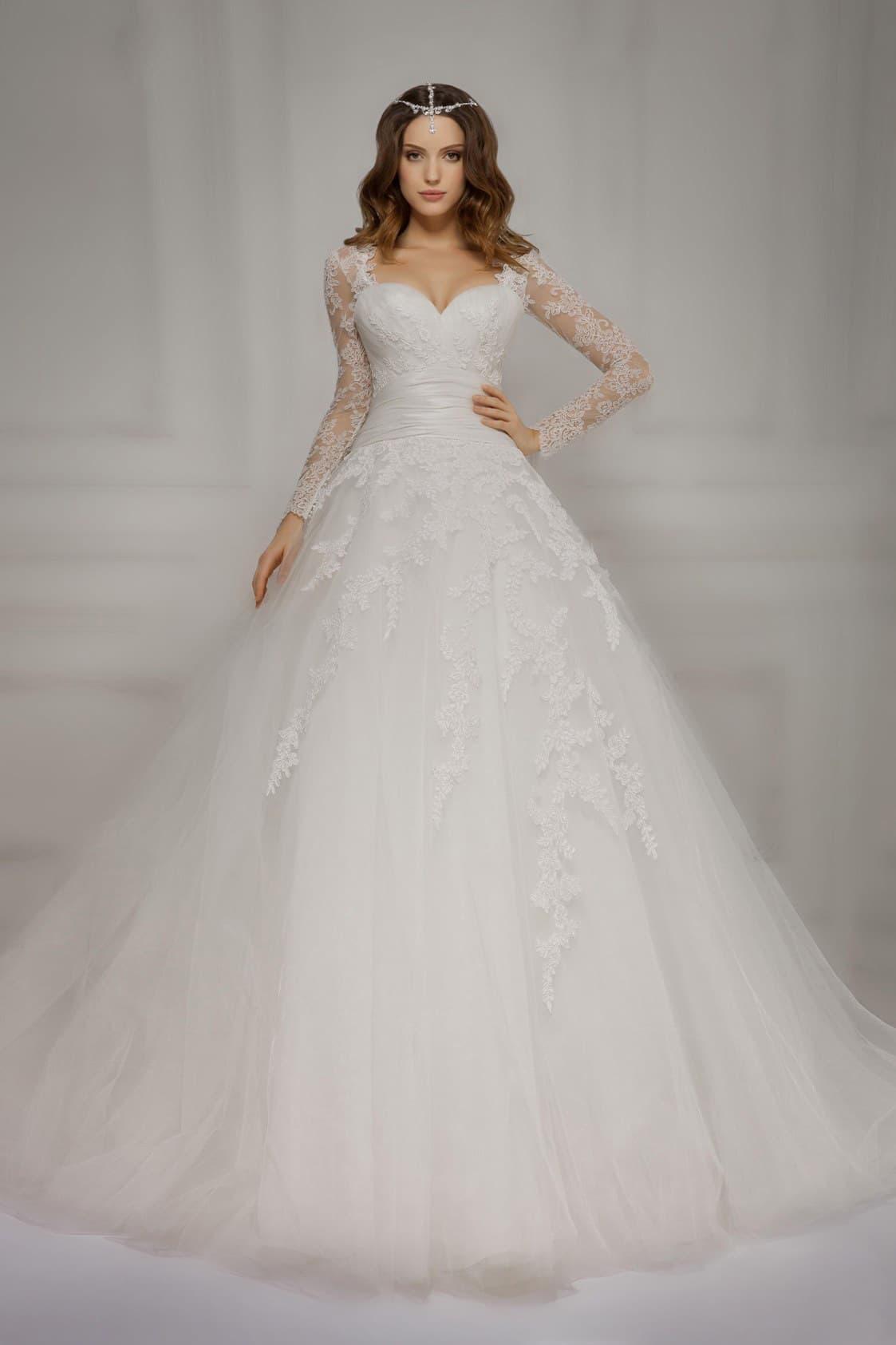Свадебное платье с кружевной юбкой фото