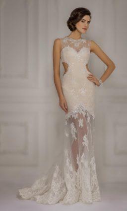 Бежевое свадебное платье с кружевным декором и прозрачной юбкой силуэта «рыбка».