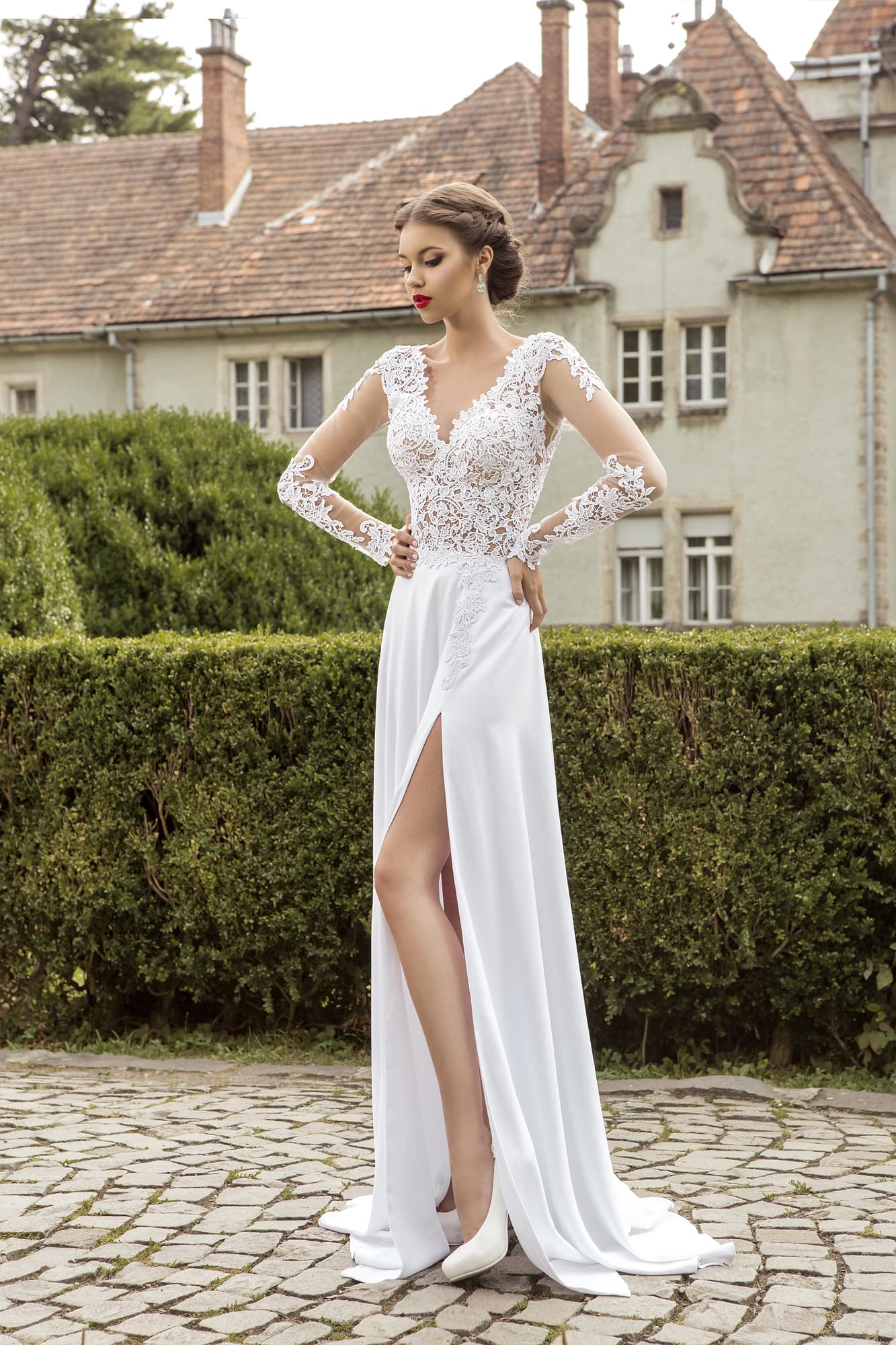 Свадебные платья пышные с разрезами