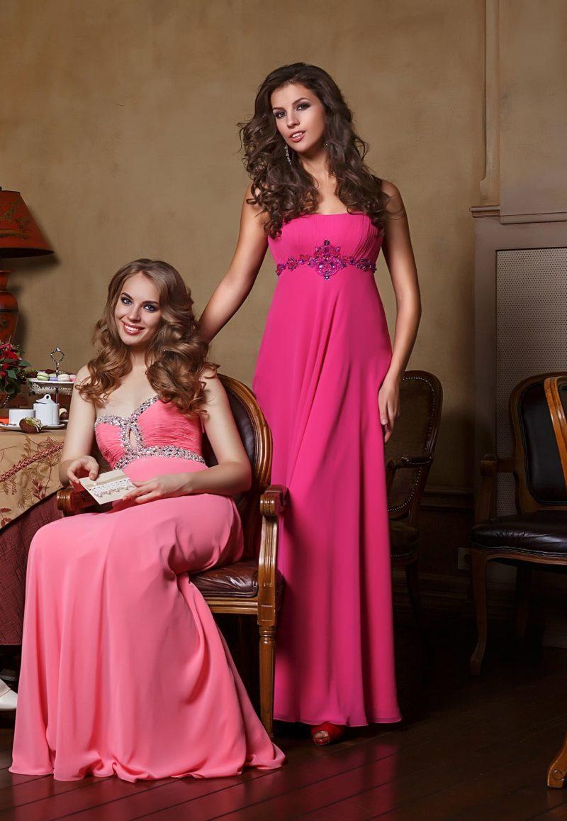 Недорогое розовое платье