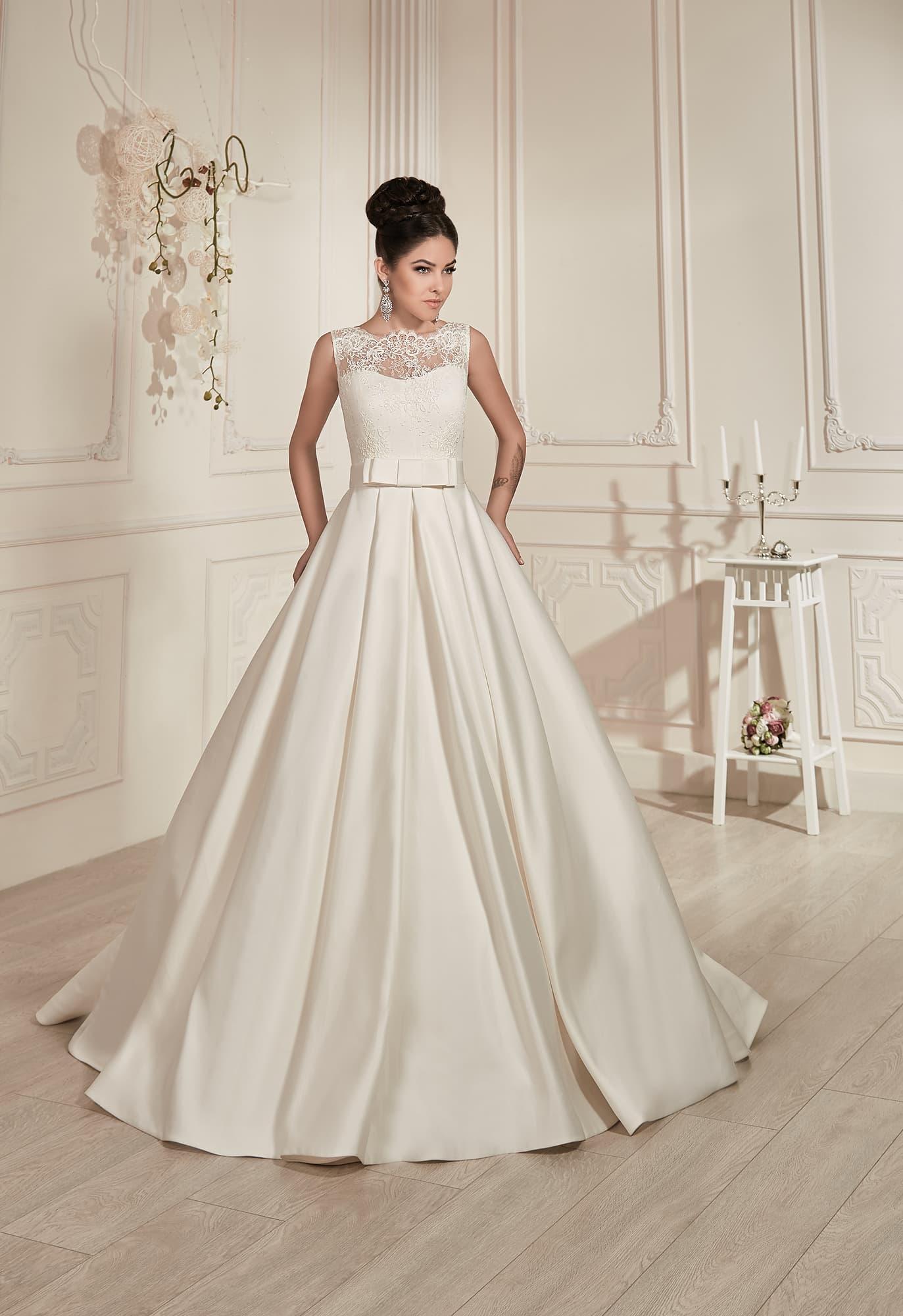 Свадебное платье а силуэт атласное
