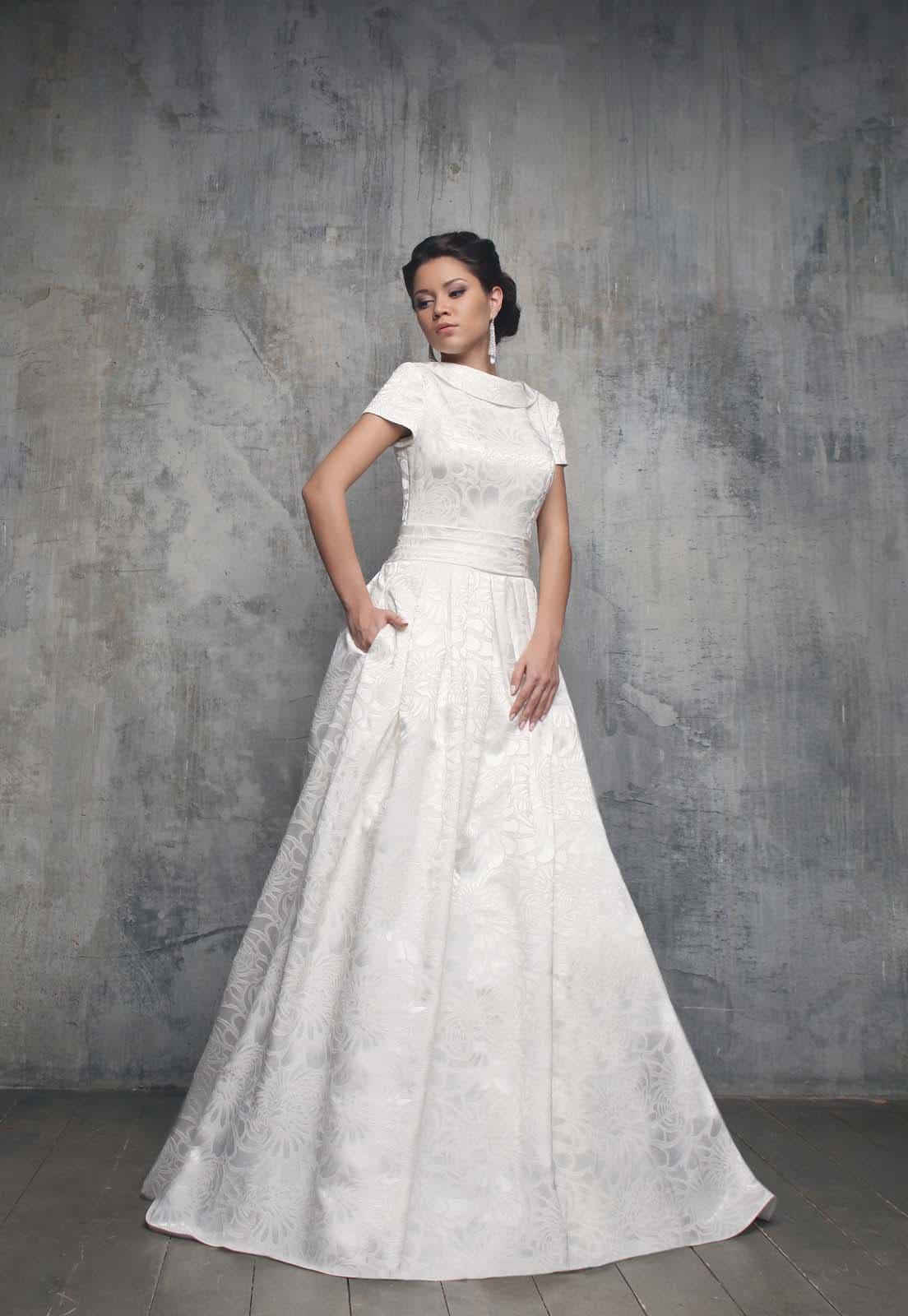 Платья из жаккарда свадебные