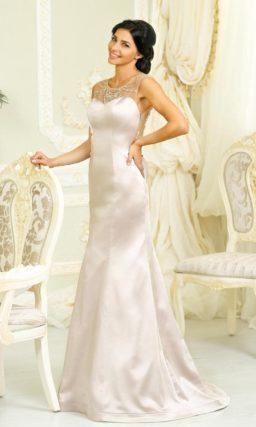 Атласное свадебное платье силуэта «рыбка» с полупрозрачными вставками на лифе.