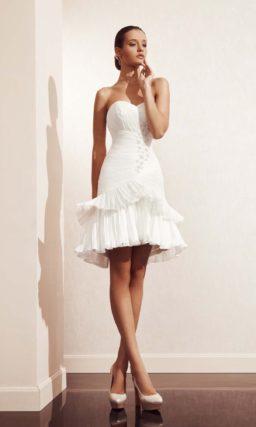 Свадебное платье «рыбка» с каскадом оборок по всей длине подола.