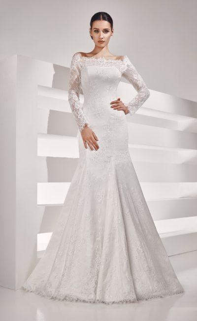 Свадебное платье «рыбка» с длинными кружевными рукавами