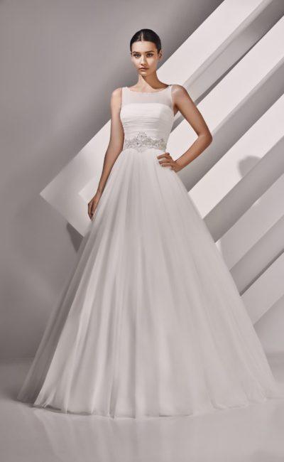 Свадебное платье с широким фигурным поясом
