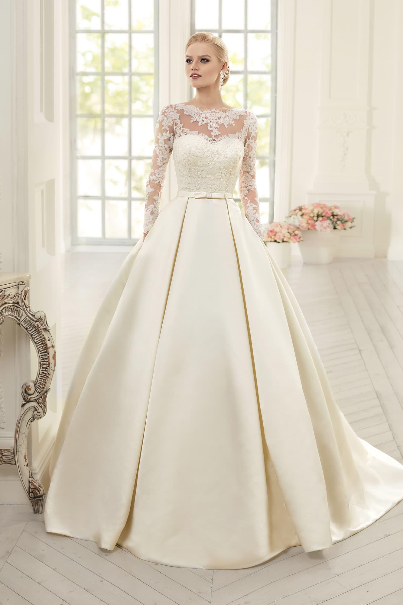 Свадебное платье атлас и кружево
