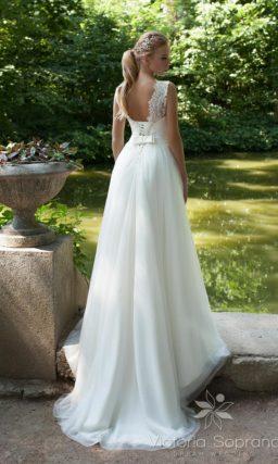 Свадебное платье с ажурной спинкой