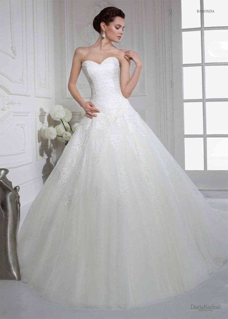Свадебное платье с элегантным кружевным болеро.