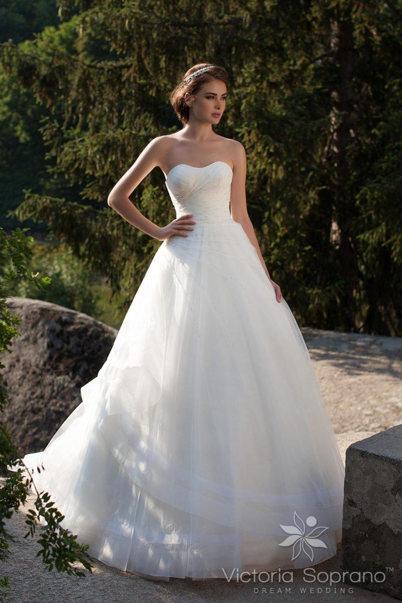 Свадебное платье с драпировками
