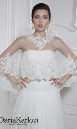 Открытое свадебное платье «принцесса» с прямым лифом и ажурным болеро.