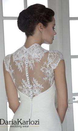 Свадебное платье с кружевными бретелями