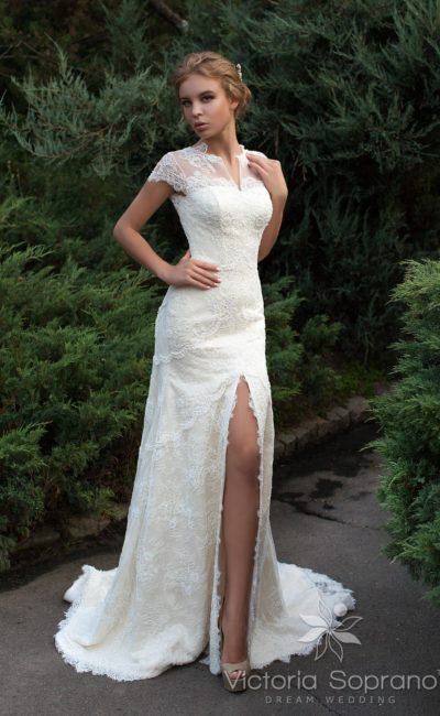 платье «рыбка» с высоким разрезом