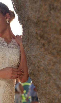Свадебное платье с декором из кружева