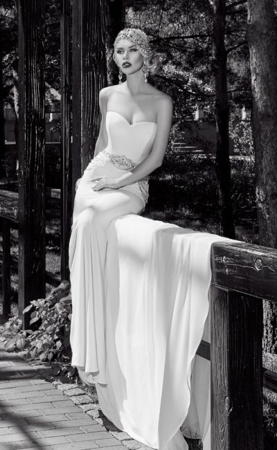 Открытое облегающее платье