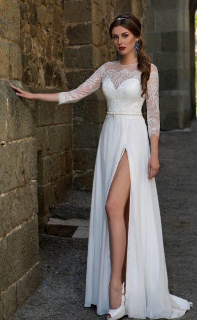 Платье свадебное с разрезом