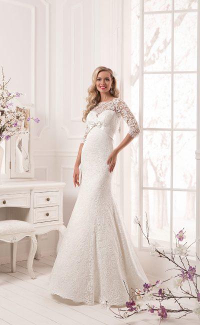 Платье свадебное с кружевной накидкой