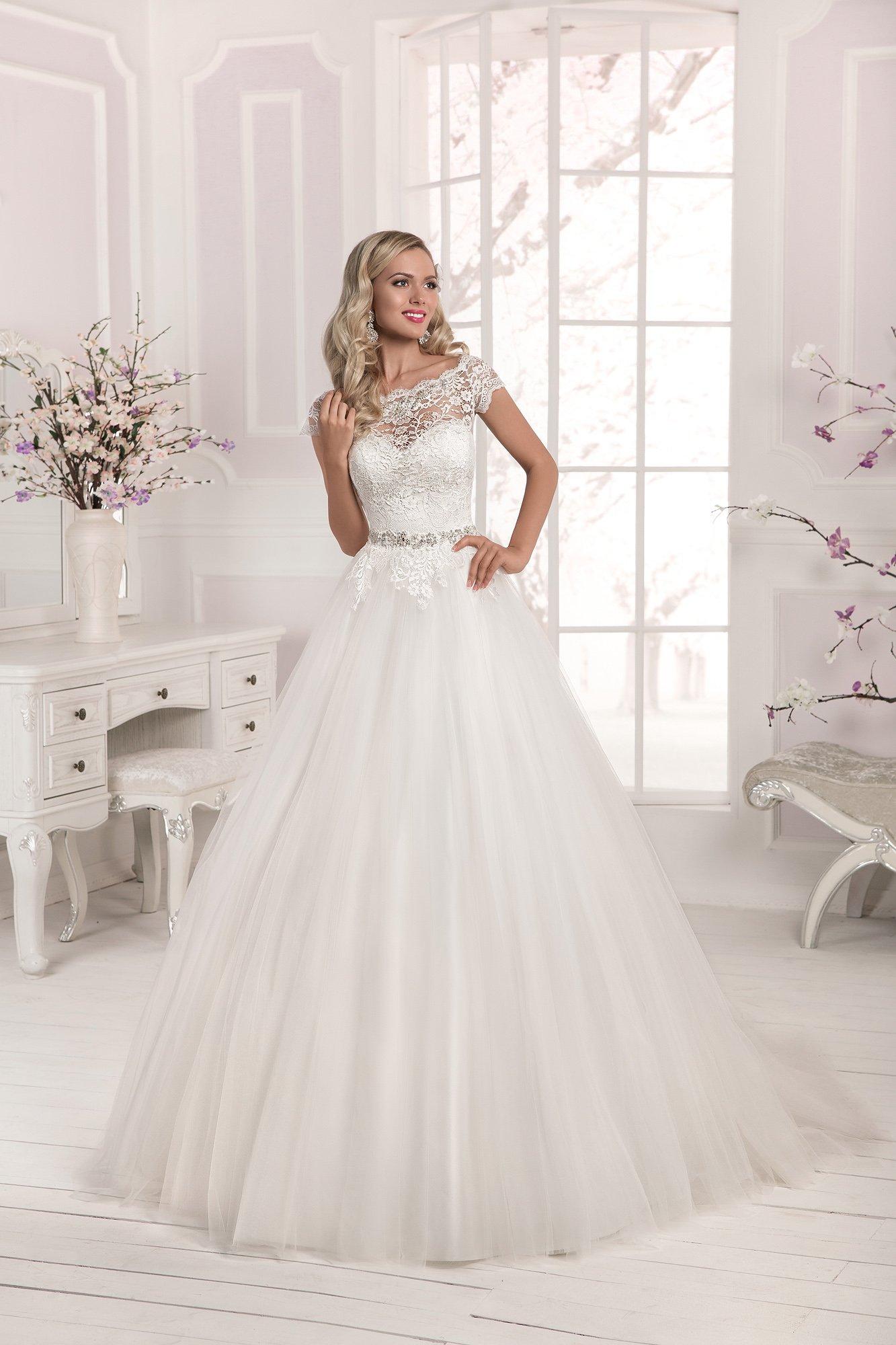 d34c599b43e0 Свадебное платье с пышной юбкой из фатина Farletta Laureliya. Купить ...