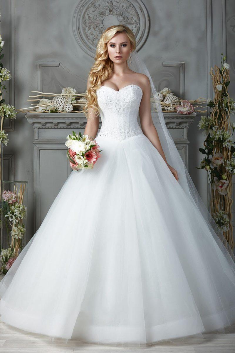 платье с открытым корсетом