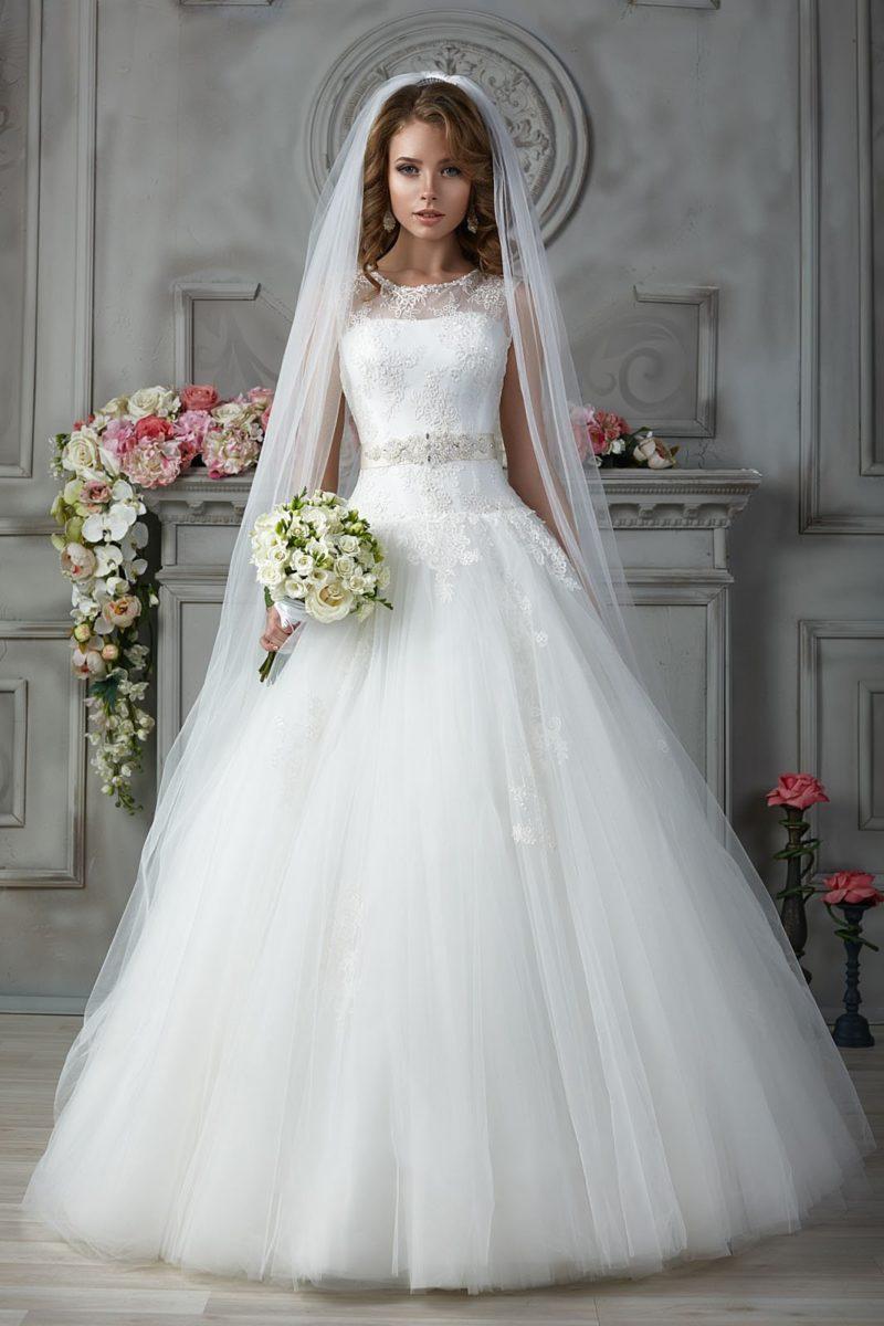 свадебное платье с широким атласным поясом