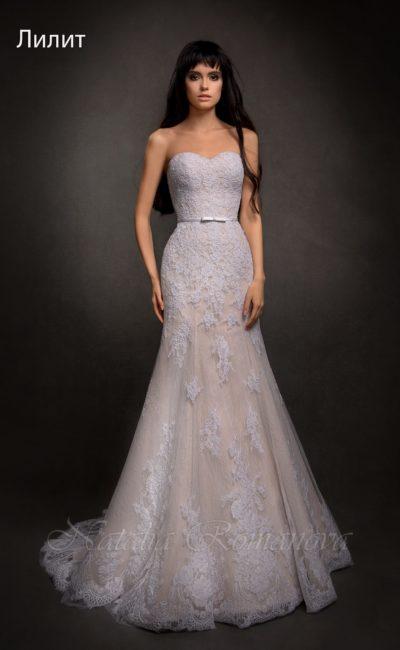свадебное платье на бежевой подкладке