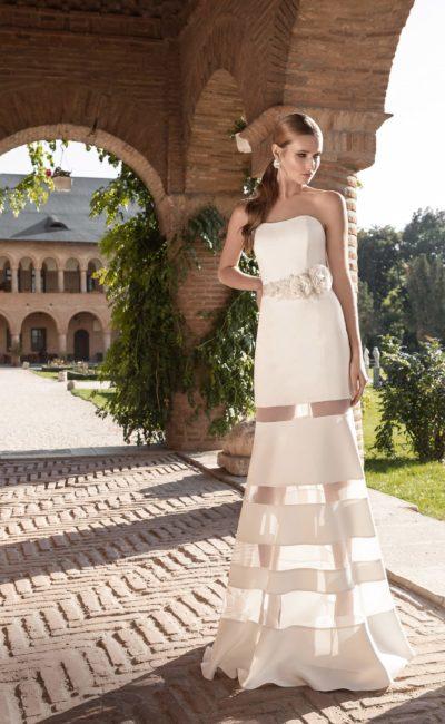 свадебное платье с полупрозрачными вставками