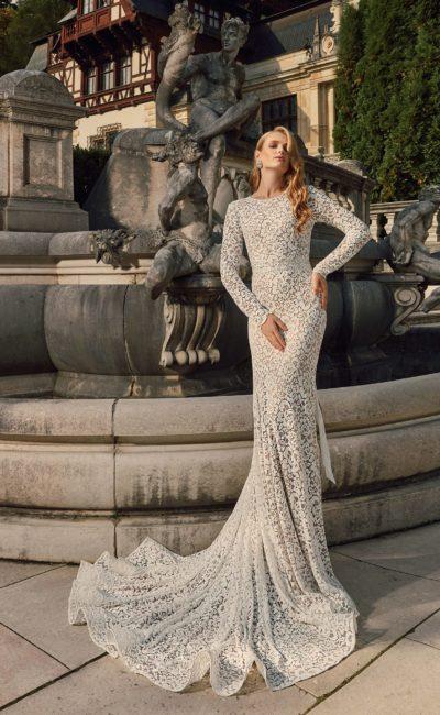Кружевное свадебное платье облегающего кроя
