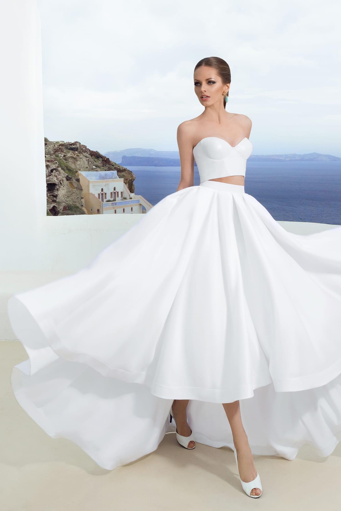Фото укороченные спереди свадебные платья